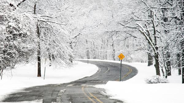 http://www.viviendasaludable.es/wp-content/uploads/2014/05/Consejos-para-conducir-con-mal-tiempo.png