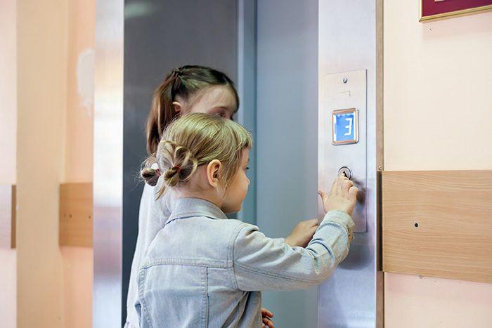 ascensores en la comunidad de vecinos