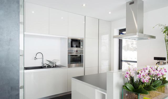 Claves para elegir un armario empotrado vivienda saludable for Revestimiento de armarios empotrados