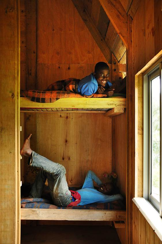 Centro de acogida Saint Jerome (Kenia) - Literas