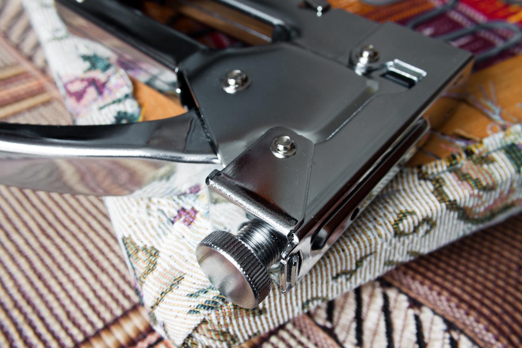 C mo tapizar sillas paso a paso vivienda saludable - Materiales para tapizar ...