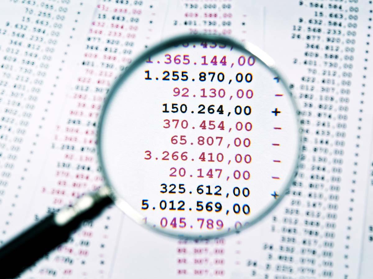 Facturas con gastos e ingresos
