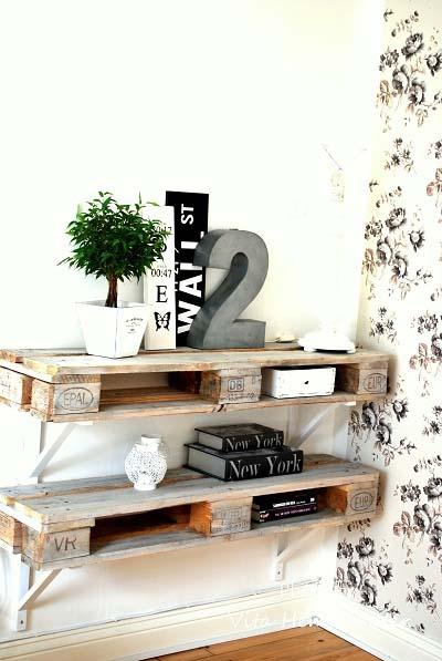 http://www.milideas.net/10-ideas-para-fabricar-una-estanteria-con-palets-de-madera