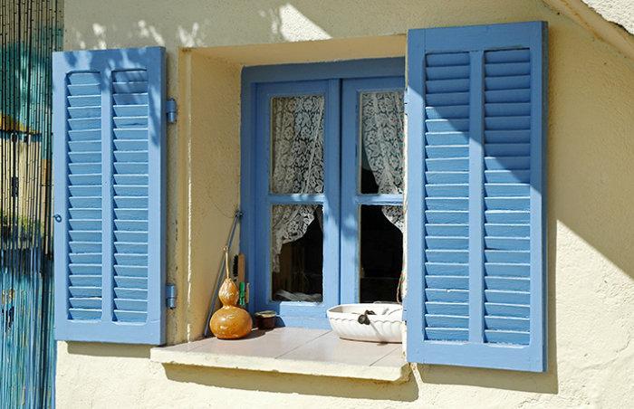 Cómo limpiar y conservar las ventanas de madera