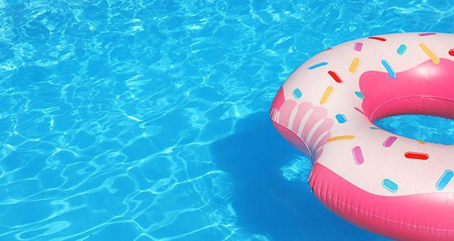 mantener limpia una piscina